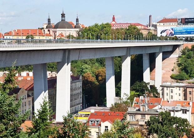 Nuselský most dnes slaví 40 let