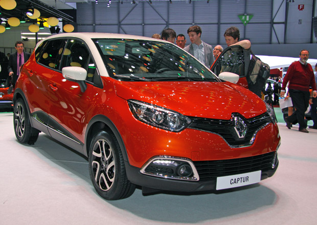 První statické dojmy: SUV Renault Captur nabídne dvoubarevnou karoserii (+video)
