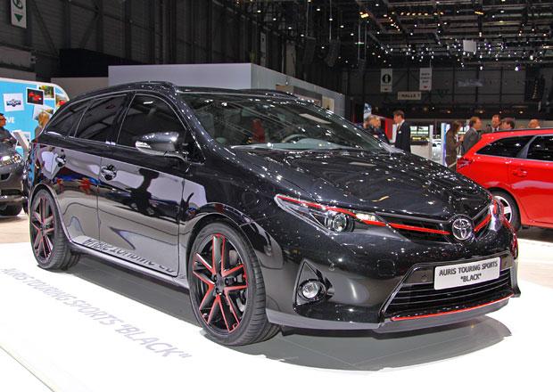 Toyota RAV4 Adventure, Premium a Auris Touring Sports Black: Jde to i stylově