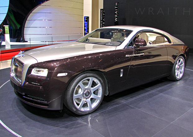 Prvn� statick� dojmy: Rolls-Royce Wraith nen� ani p�es sv�j v�kon ��dn� sportovec