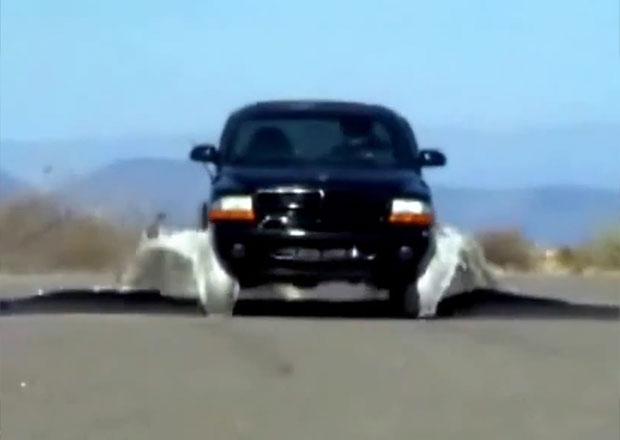 Nový účinný policejní systém pro zastavování vozidel (2x video)