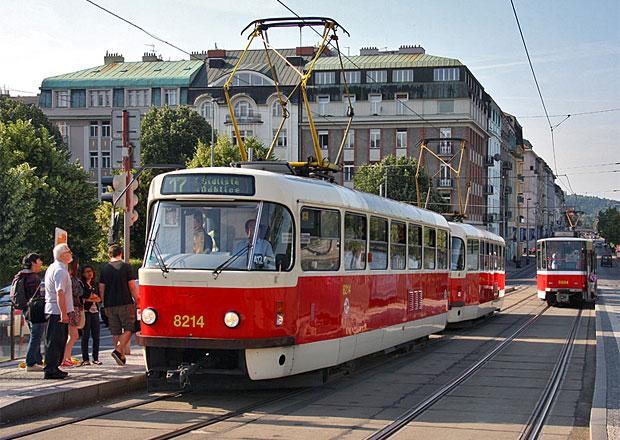 Praha uzavře pro auta Smetanovo nábřeží. Zatím jen na zkoušku.