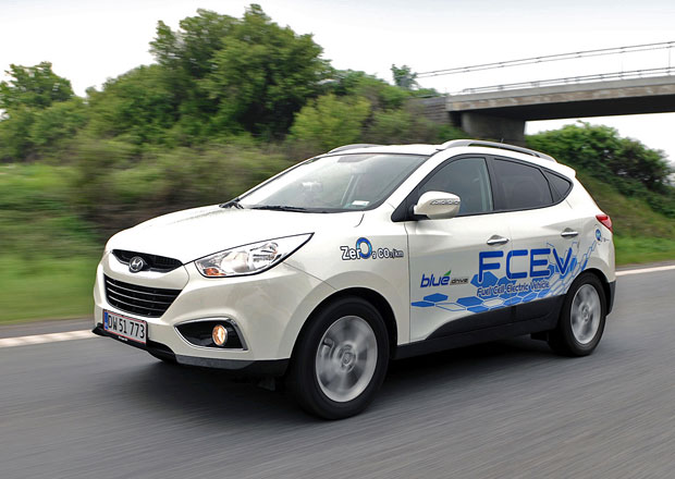 Vod�kov� Hyundai ix35 Fuel Cell zam��� k prvn�m z�kazn�k�m