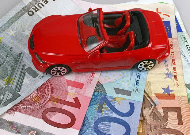 Trh s auty se opět propadl, Česko pod průměrem EU