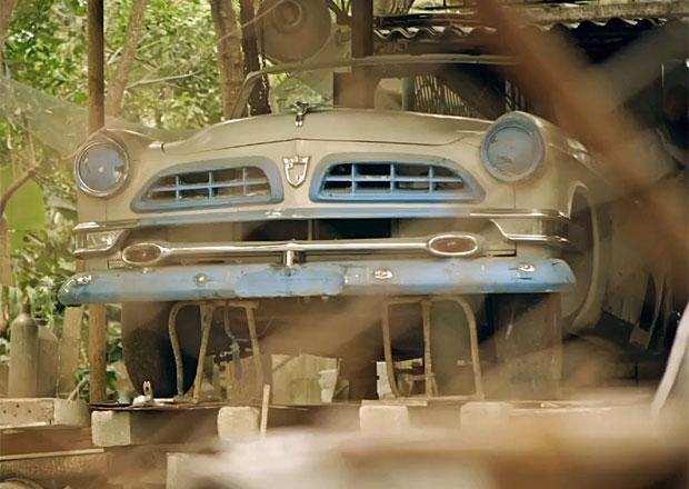 Video: Chrysler New Yorker Ernesta Hemingwaye znovu ve formě