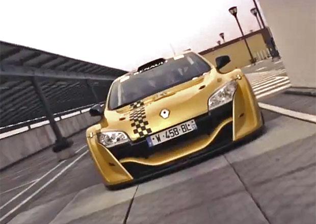 Video: Závodní Mégane Trophy V6 v Paříži pracuje jako taxi
