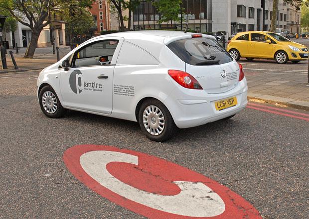 Poplatky za vjezd do Londýna: Platit budou i hybridy!