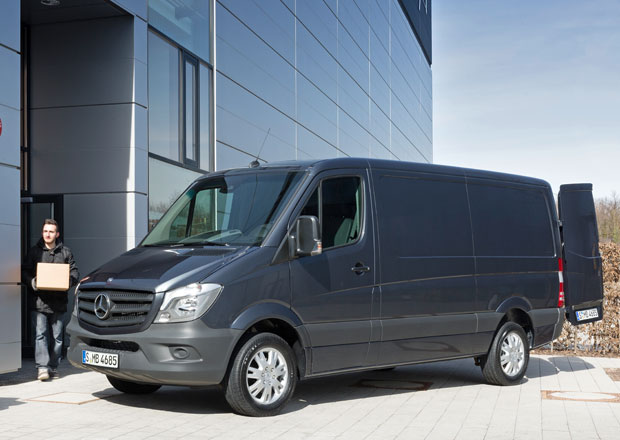 Mercedes-Benz Sprinter: Nový design i technika (video)
