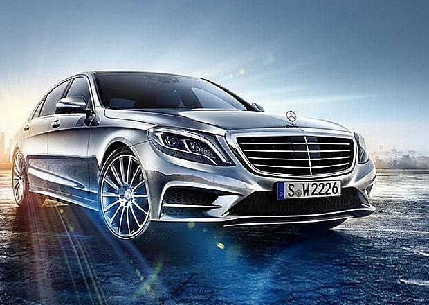 Nová generace Mercedesu-Benzu S (W222) na první fotografii