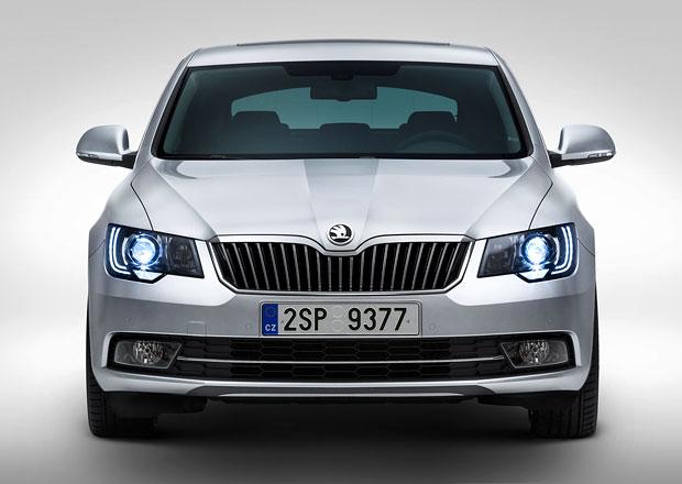 Škoda Superb 2013: Novou příď si s Octavií nespletete