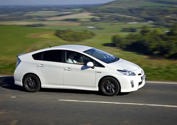 Toyota svolá kvůli brzdám 242 tisíc aut, u nás se to týká 50 Priusů
