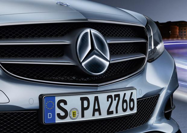 Mercedes-Benz nab�z� podsv�cen� pro trojc�pou hv�zdu