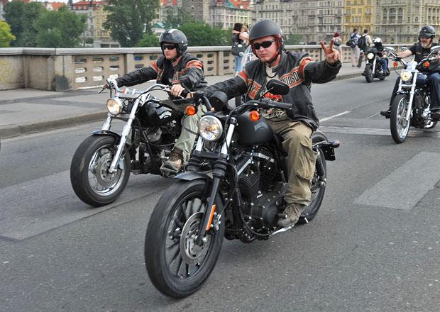 Harley-Davidson oslavil 110 let spanilou jízdou po Praze