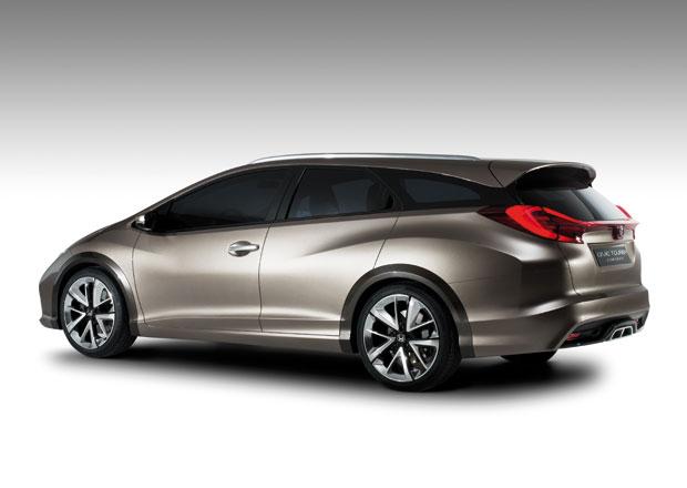 Honda Civic Tourer dorazí v lednu, bude mít větší kufr než Octavia