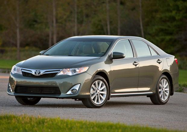 Toyota investuje stovky milionů do šestiválců