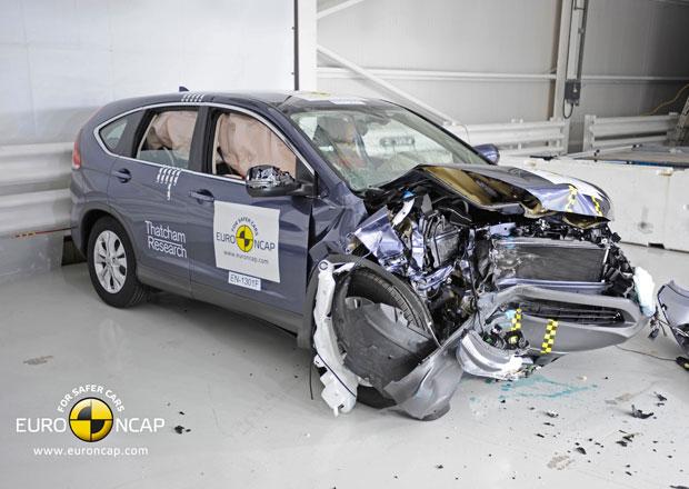 Vědci vzkazují: Když bourat, tak raději v SUV