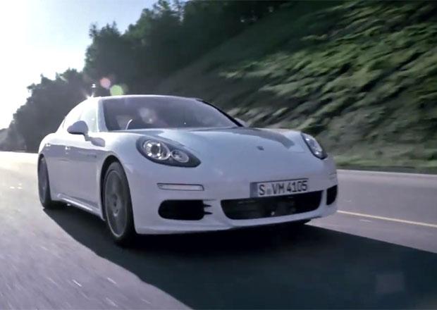Videopředstavení Porsche Panamera S E-Hybrid: Hybridní nuda nehrozí