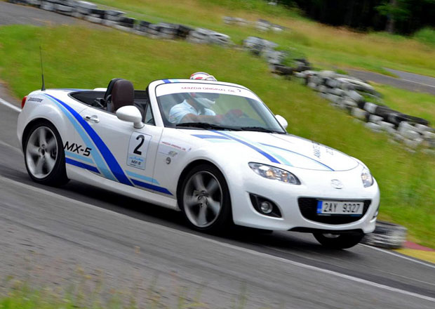 Mazda MX-5 Cup: T�et� z�vod v�t�zn� za n�mi
