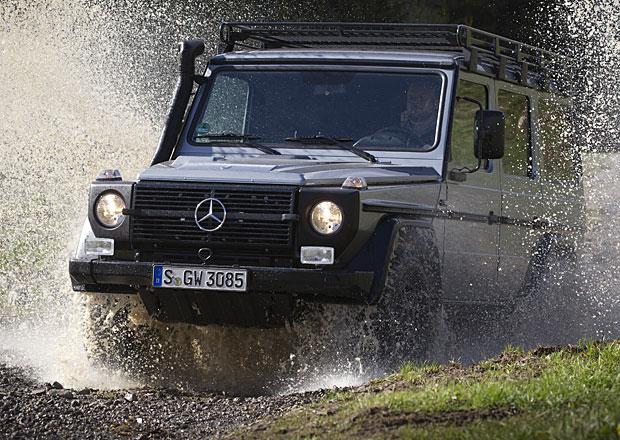 �v�carsk� arm�da p�ezbrojuje na Mercedes G 300 CDI