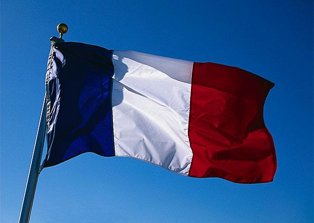 Francie hodlá dál blokovat prodej některých vozů Mercedes