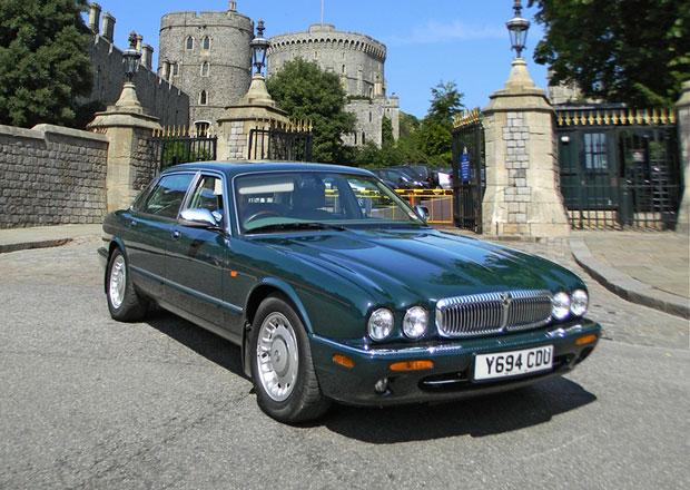 Osobní Daimler královny Alžběty II. prodán v aukci