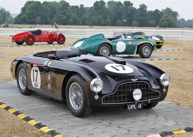 Fotogalerie: 101 aut oslavilo 100 let značky Aston Martin