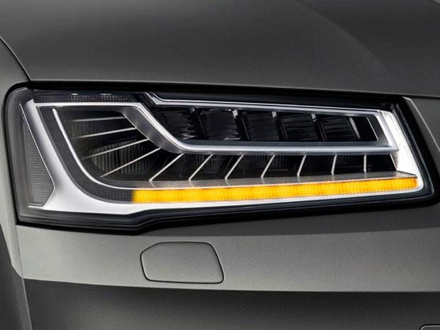 Nové Audi A8: První oficiální fotografie světlometu Matrix LED