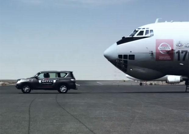 Nissan Patrol ustavil nový Guinnessův rekord v tažení nejtěžšího letadla