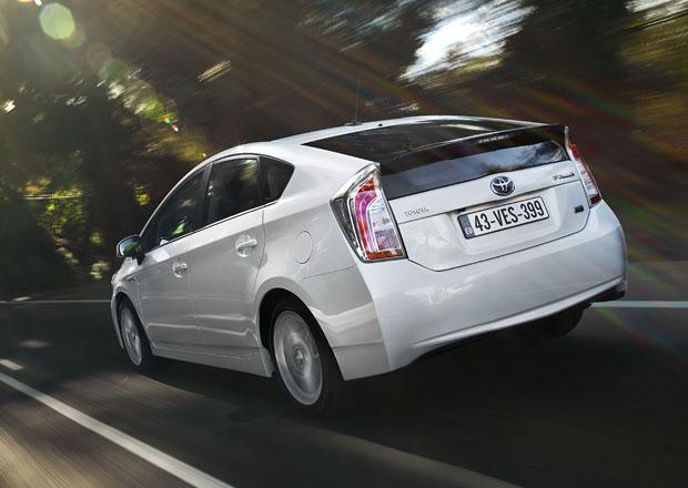 Nová generace Toyoty Prius dorazí 2015, bude zase o 10 % úspornější