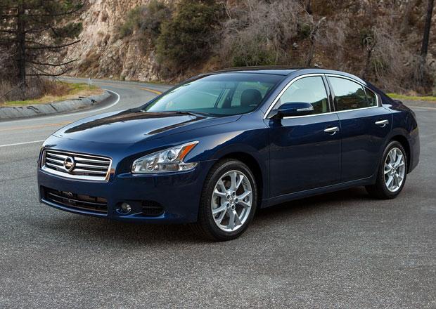 Nissan Maxima 2014: Stejný design, lepší výbava