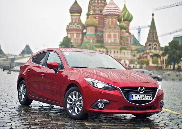 Mazdy 3 jsou v Moskv�, do c�le zb�v� 2.500 km