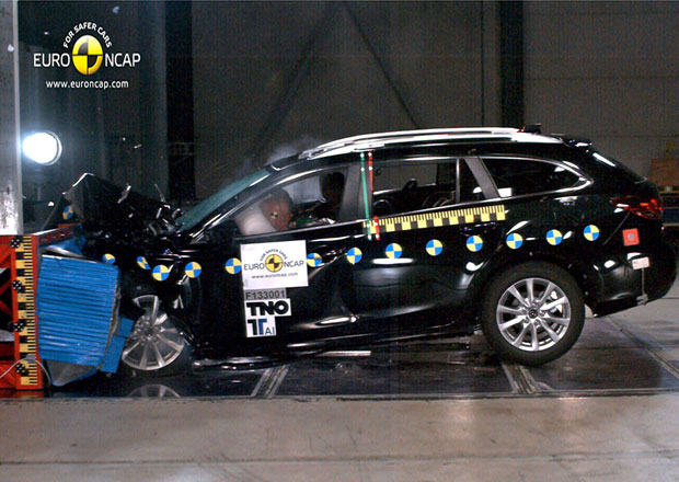 Euro NCAP 2013: Mazda 6 – Podruhé s plným počtem hvězd