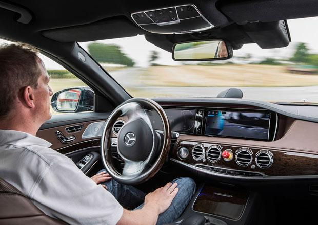 Vozy Mercedes-Benz budou umět samy řídit do roku 2020