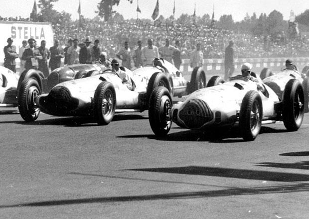 Rudolf Caracciola získal pro Mercedes-Benz před 75 lety třetí titul mistra Evropy