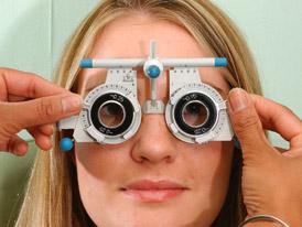 Boj se slepými vrahy. Řidiče může čekat povinná pravidelná kontrola očí