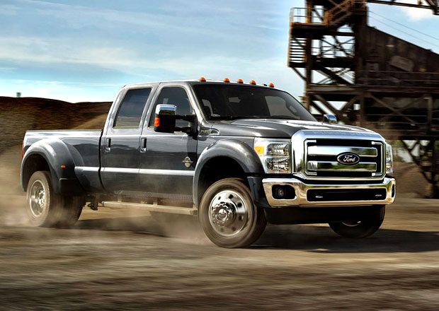 Ford F-Series Super Duty pro modelový rok 2015 (video)