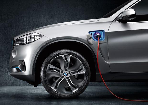 BMW X5 plug-in hybrid půjde do výroby