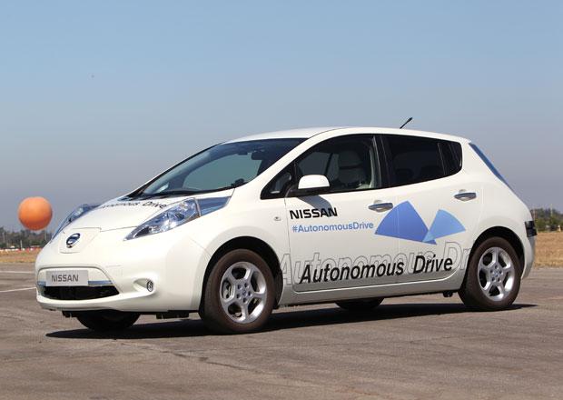 Nissan Leaf jako auto bez řidiče představen na výstavě CEATEC