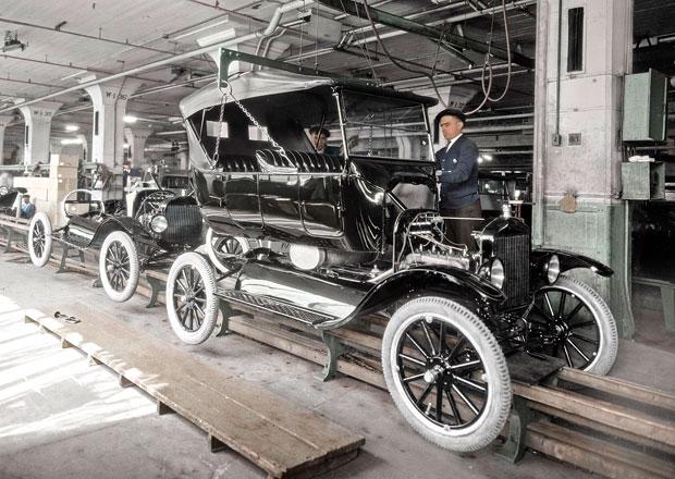Ford slaví století od zahájení pásové výroby