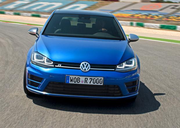 Volkswagen: 300koňový Golf R stojí 897.900 Kč