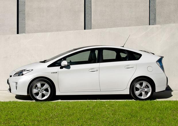 Toyota Prius Plug-In v USA výrazně zlevnila. U nás se nic nemění
