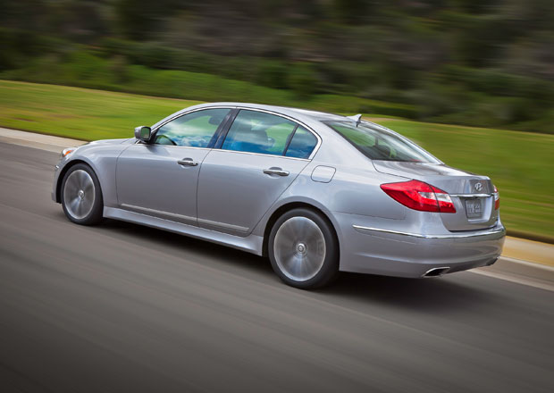 HTRAC: Nový systém pohonu všech kol pro Hyundai Genesis