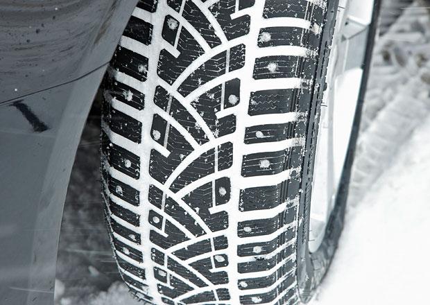 Od 1. listopadu platí povinnost používat zimní pneumatiky. Už máte přezuto?