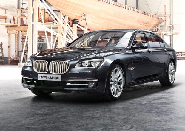 BMW 760Li Sterling: Dvanáctiválcová limuzína s nádechem stříbra