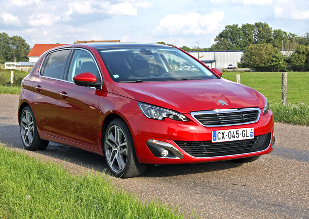 Nový Peugeot 308 stojí od 320.000 Kč
