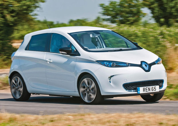 Renault Zoe je na p�tin� p�vodn�ch prodejn�ch pl�n�