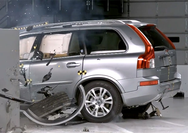 Volvo XC90 obstálo v novém crastestu IIHS