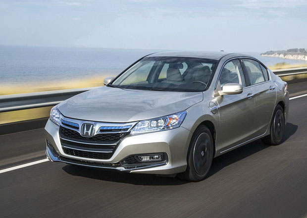 Plug-in Honda Accord PHEV je Green Car of The Year