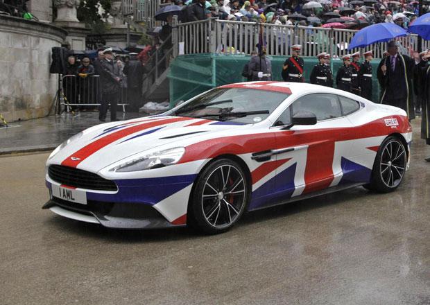 Aston Martin Vanquish se oblékl do barev britské vlajky