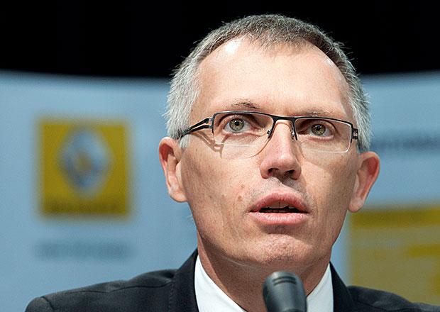 Carlos Tavares, bývalý šéf Renaultu, zamíří od ledna 2014 k Peugeotu
